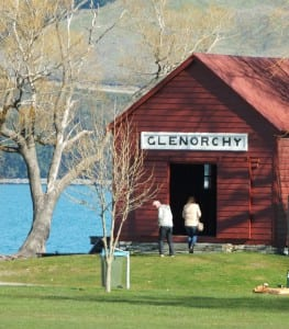 Glenorchy lakeside